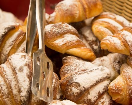Looking for a hotel in Genoa with a good breakfast? Hotel booking Porto Antico di Genova. Our breakfast is made only of high-grade product with typical regional products.